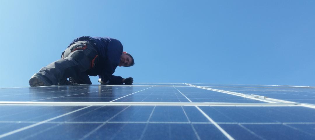 Biztonságtechnikai felülvizsgálat nélkül nincs se napelem, se inverter garancia