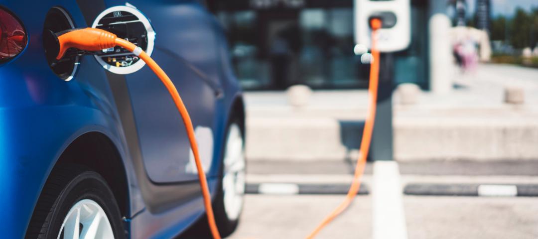 A bruttó elszámolás nyertese: az elektromos autó napelemes rendszerrel